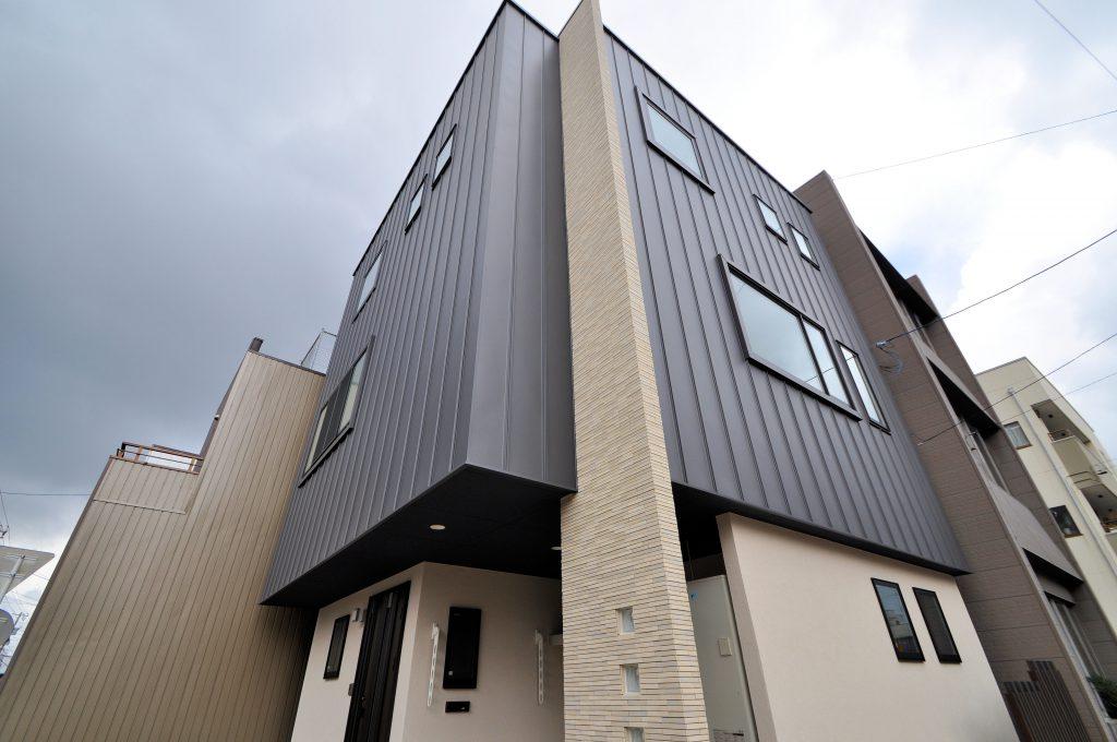 鉄骨3階建て、3世代住宅